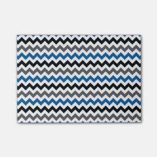 シェブロンパターン背景のブルーグレーの白黒 ポストイット