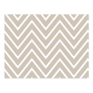 シェブロンベージュおよび白いパターン2 ポストカード