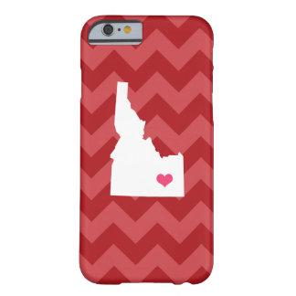 シェブロン名前入りでモダンで赤いアイダホのハート BARELY THERE iPhone 6 ケース