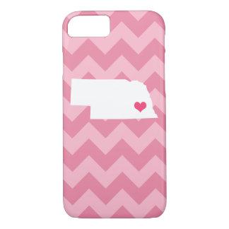 シェブロン名前入りでモダンなピンクのネブラスカのハート iPhone 8/7ケース