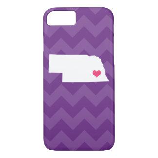 シェブロン名前入りでモダンな紫色のネブラスカのハート iPhone 8/7ケース