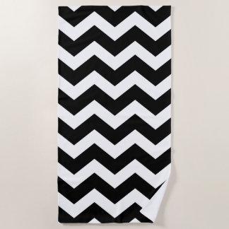 シェブロン白黒大きいパターン ビーチタオル