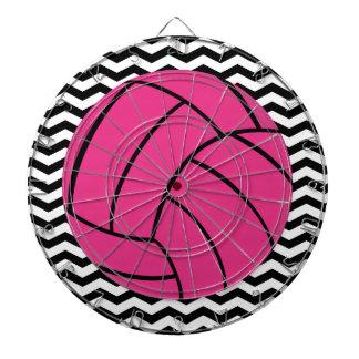 シェブロン粋なパターン及びピンクのバレーボールのダート盤 ダーツボード