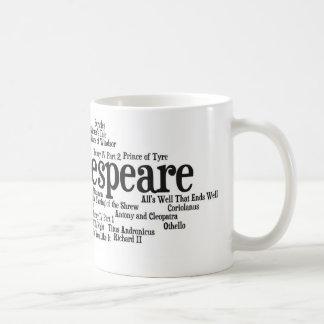 シェークスピアの戯曲によってインスパイアワイシャツ、バッグ、等 コーヒーマグカップ