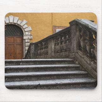 シエナ土、タスカニー、イタリア-低い角度眺めの マウスパッド
