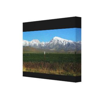 シエラネバダ山脈の山及び田舎 キャンバスプリント