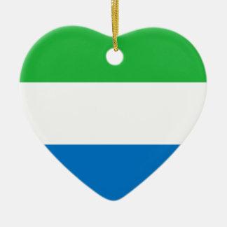 シエラレオネの旗のハートのオーナメント セラミックオーナメント