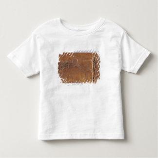 シカおよび跳躍と切り分けられるトナカイの角 トドラーTシャツ