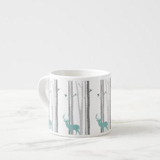 シカが付いている樺の木 エスプレッソカップ