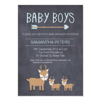シカの対の男の子の黒板のベビーシャワーの招待状 カード