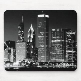 シカゴの有名な都市景観の夜眺め マウスパッド