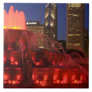 シカゴ、イリノイのBuckinghamの噴水 タイル