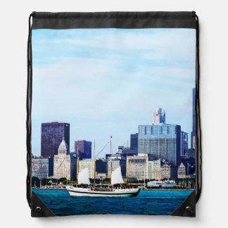 シカゴIL -シカゴのスカイラインに対するスクーナー船 ナップサック