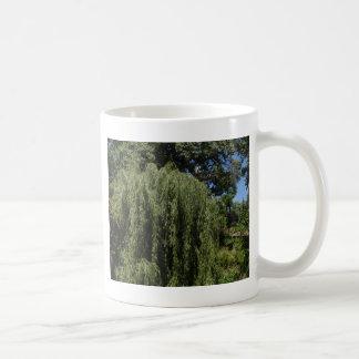 シダレヤナギの木 コーヒーマグカップ