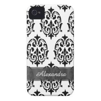 シックでエレガントな白黒名前入りなダマスク織 Case-Mate iPhone 4 ケース