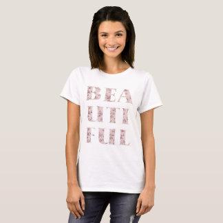 シックで美しいタイポグラフィ Tシャツ