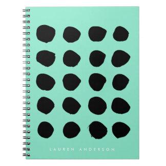 シックで黒いブラシストローク点のノートジャーナル ノートブック