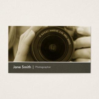シックなカメラマンのフォトジャーナリストのカメラレンズ 名刺