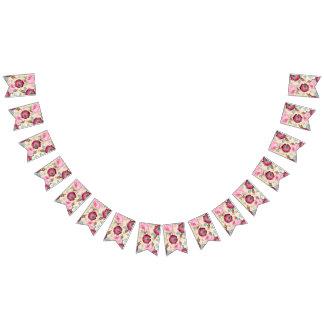 シックな国の署名のピンクの花柄 バンティングフラッグ