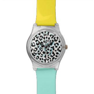 シックな白黒チータのプリントのモノグラム 腕時計