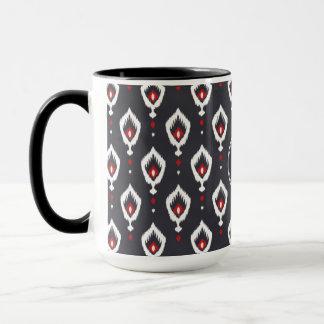 シックな黒くおよび赤いイカット種族パターンモノグラム マグカップ