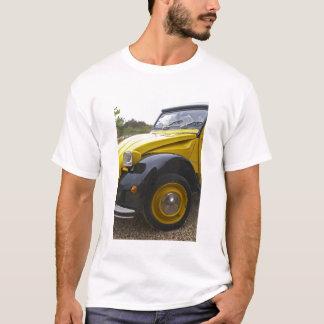 シトロエン古く黒くおよび黄色の2CV 2 CV、 Tシャツ