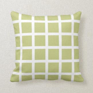 シナノキの緑の格子図形の装飾用クッション クッション