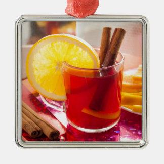 シナモンおよびオレンジが付いているフルーツの柑橘類の茶 メタルオーナメント