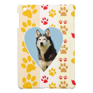 シベリアンハスキー犬のハートの足のプリント iPad MINIケース