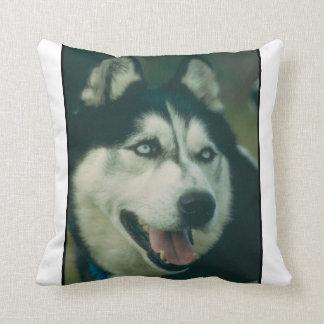 シベリアンハスキー犬のMoJoの枕 クッション