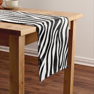 シマウマのプリントの白黒ストライプパターン ショートテーブルランナー