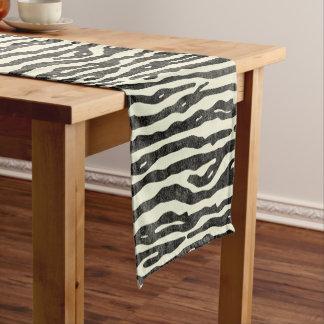 シマウマの野性生物の動物のストライプので黒いベージュ色パターン ショートテーブルランナー
