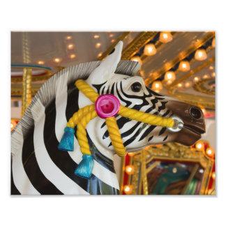 シマウマの馬のメリーゴーランドの回転木馬の乗車 フォトプリント