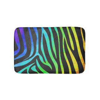 シマウマの黒および虹のプリント バスマット