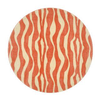 シマウマは-マンダリンおよび淡いオレンジ色縞で飾ります カッティングボード