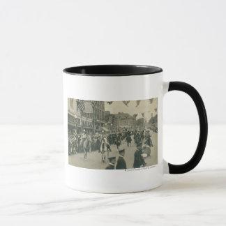 シャイエンヌのフロンティアの日パレード マグカップ