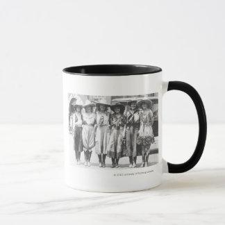 シャイエンヌのフロンティア日の6人の女性のカーボーイ マグカップ