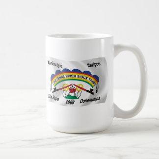 シャイエンヌの川のスー族の旗のマグ コーヒーマグカップ