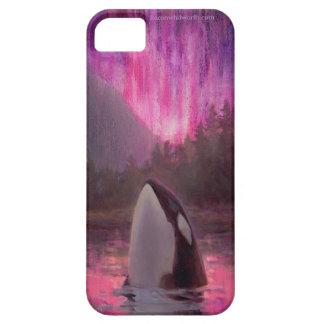 シャチのシャチおよびピンクかマゼンタのNorthern Lights iPhone 5 カバー