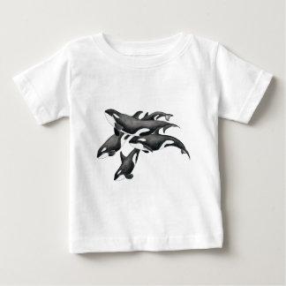 シャチのポッド ベビーTシャツ