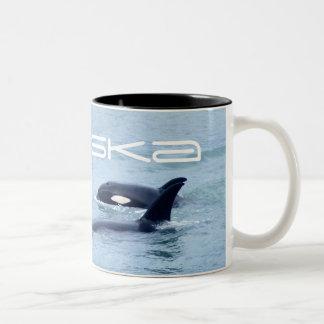 シャチの写真のマグ ツートーンマグカップ