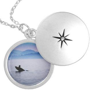 シャチの海の円形のネックレス シルバープレートネックレス