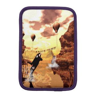 シャチは魚、すばらしい幻想の世界のために跳びます iPad MINIスリーブ