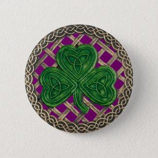 シャムロックおよびケルト結び目模様ボタンの紫色 缶バッジ
