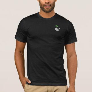シャムロックのクジラの人のTシャツ Tシャツ