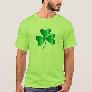シャムロックのデザイン Tシャツ