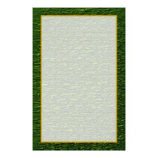 シャムロックの緑の煉瓦罰金によって並べられる文房具 便箋