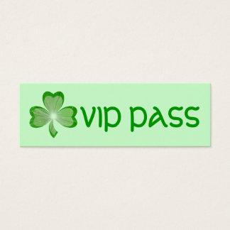 シャムロック細い緑の「VIPのパス」の名刺 スキニー名刺