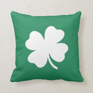 シャムロックSaint patricks dayアイルランド クッション