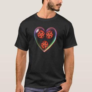 シャロンSHARPE著愛虫及びハートの泡 Tシャツ